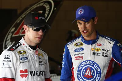 Brad Keselowski, Joey Logano easily move past Bristol wreck