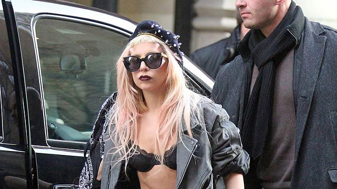 Lady Gaga LeavesNY Hotel