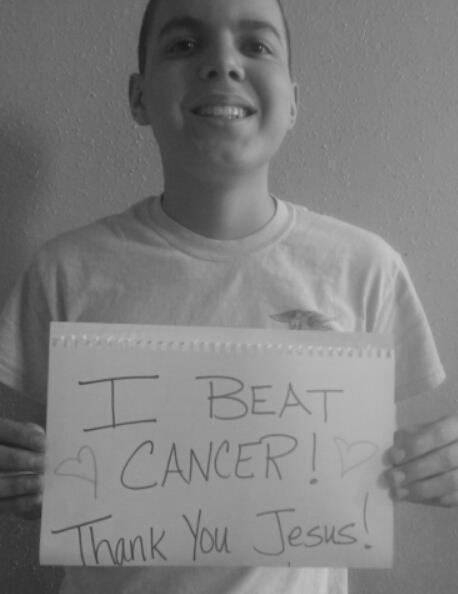 Teen's Joyful 'I Beat Cancer' Announcement Strikes a Chord