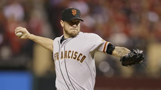 AP sources: Peavy agrees on deal with Giants