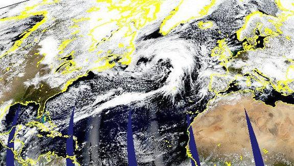 How a Storm Became Big Enough to Span the Atlantic