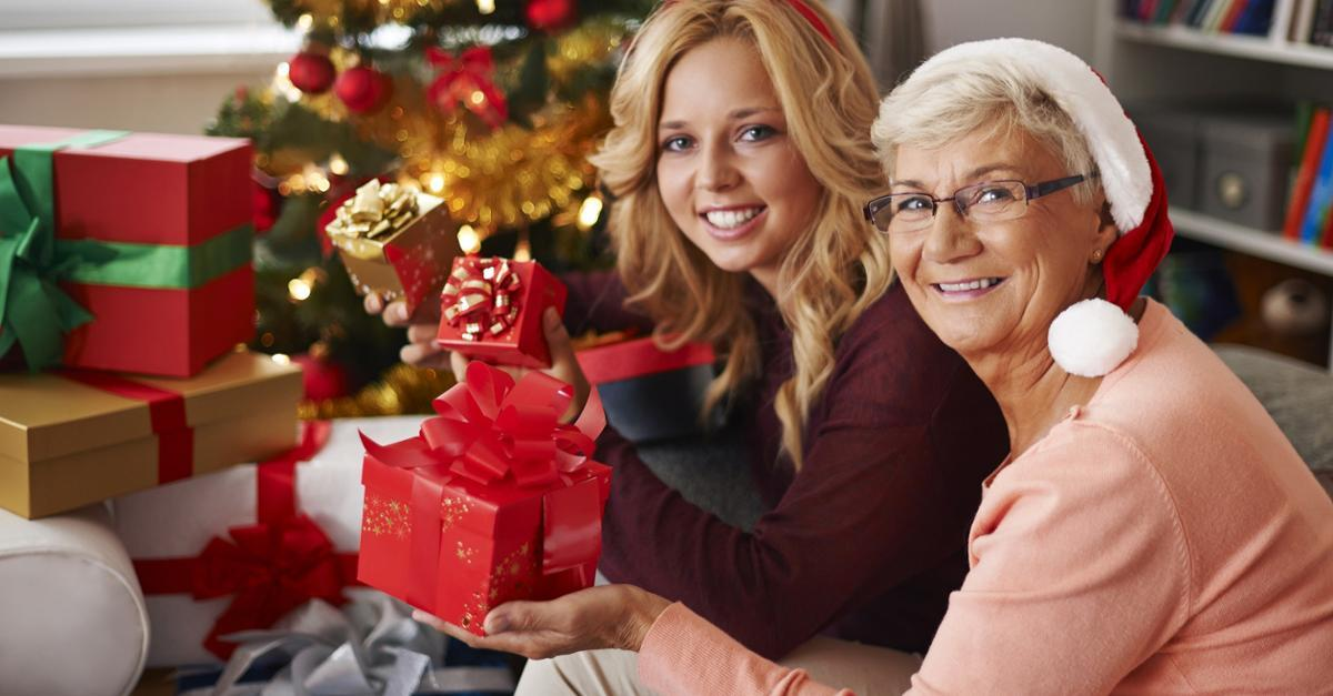 Get Savvy On Holiday Spending With Cash Back Cards