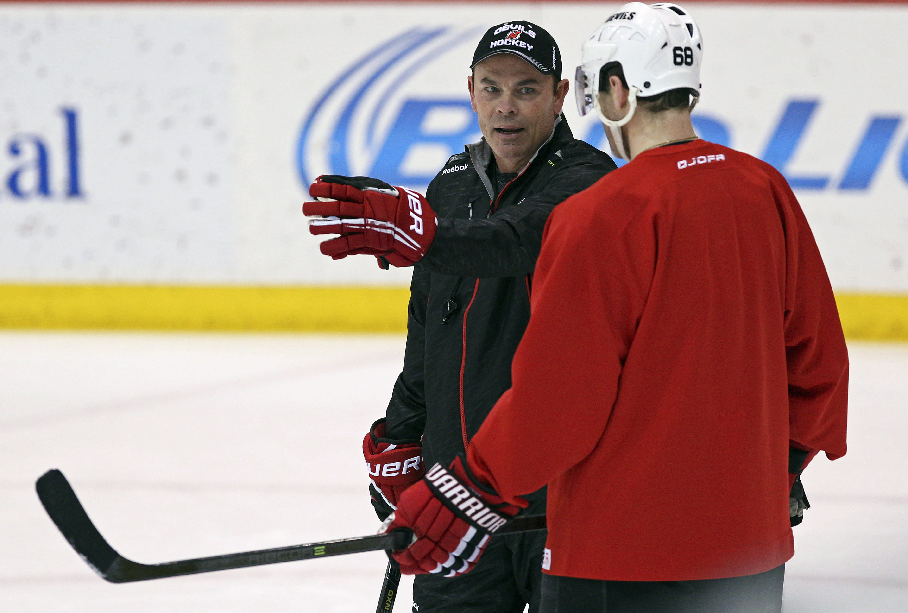 Devils replace DeBoer with 3-headed coaching staff