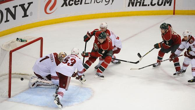 NHL: Phoenix Coyotes at Minnesota Wild