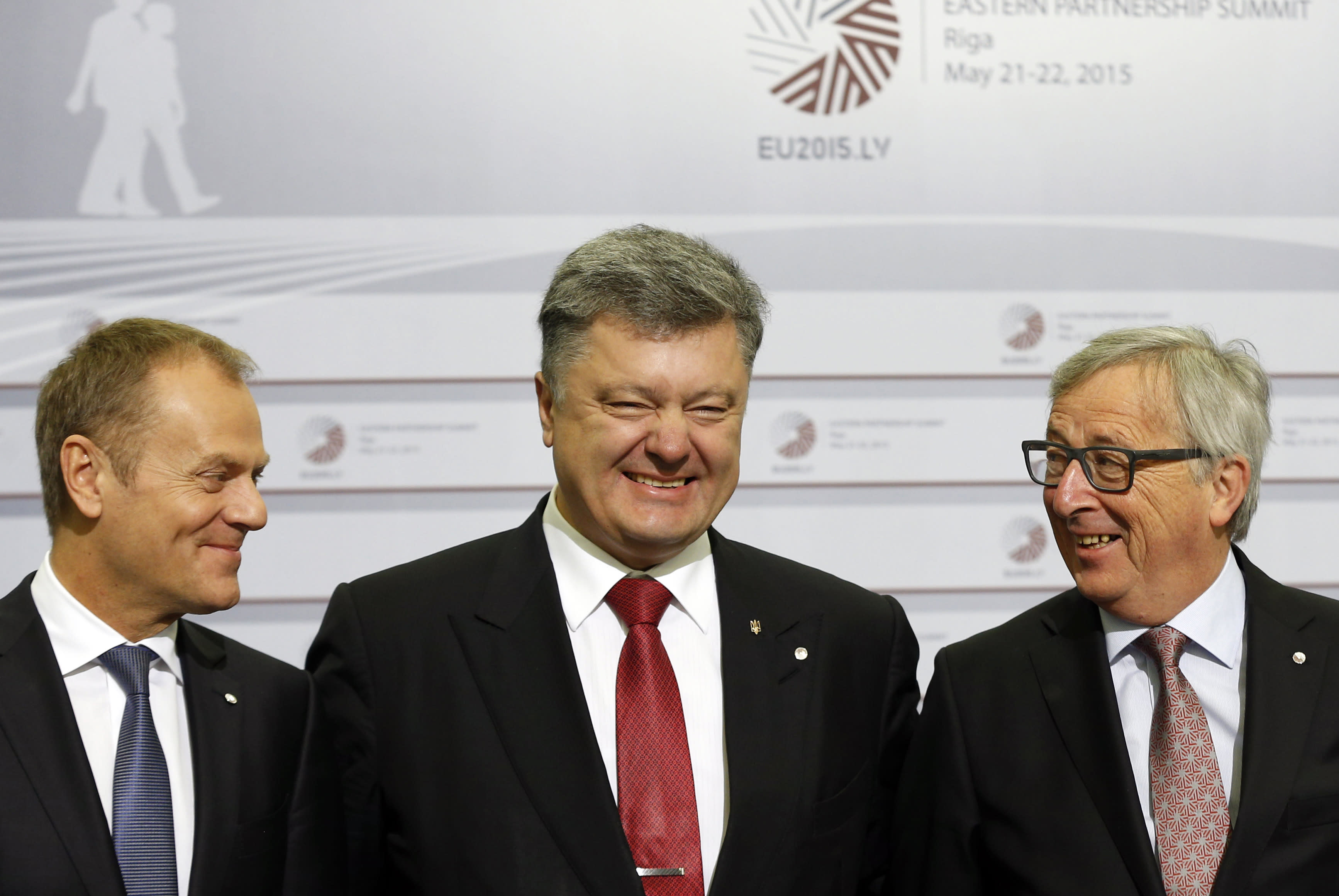 EU, Ukraine sign $2 billion loan deal at Eastern summit