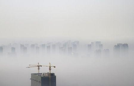 China drafts new law to fight air pollution: Xinhua