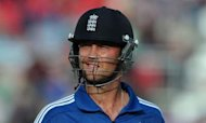 England Make Steady Start To 1st ODI