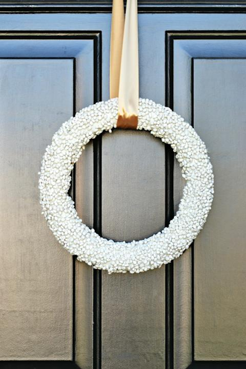 Make a Popcorn Kernel Wreath for Your Front Door