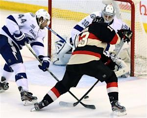 Senators hold off Lightning 5-3