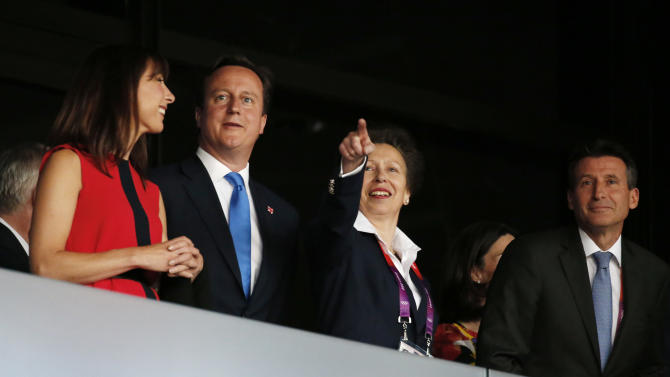 Britain's Princess Margaret, second from right, gestures as she stands alongside LOCOG Chairman Seb Coe, right, Britain's Prime Minister David Cameron, second from left, and his wife Samantha ahead of the Opening Ceremony at the 2012 Summer Olympics, Friday, July 27, 2012, in London. (AP Photo/Jae C. Hong)
