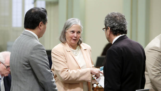 California lawmakers approve fracking bill