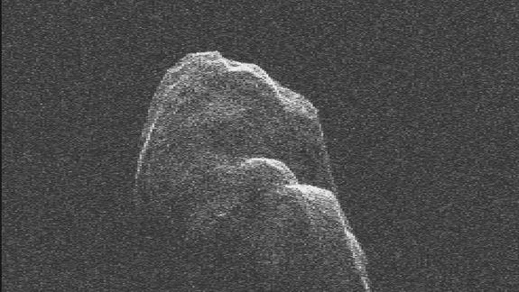 Huge Asteroid's Earth Flyby Caught on Video