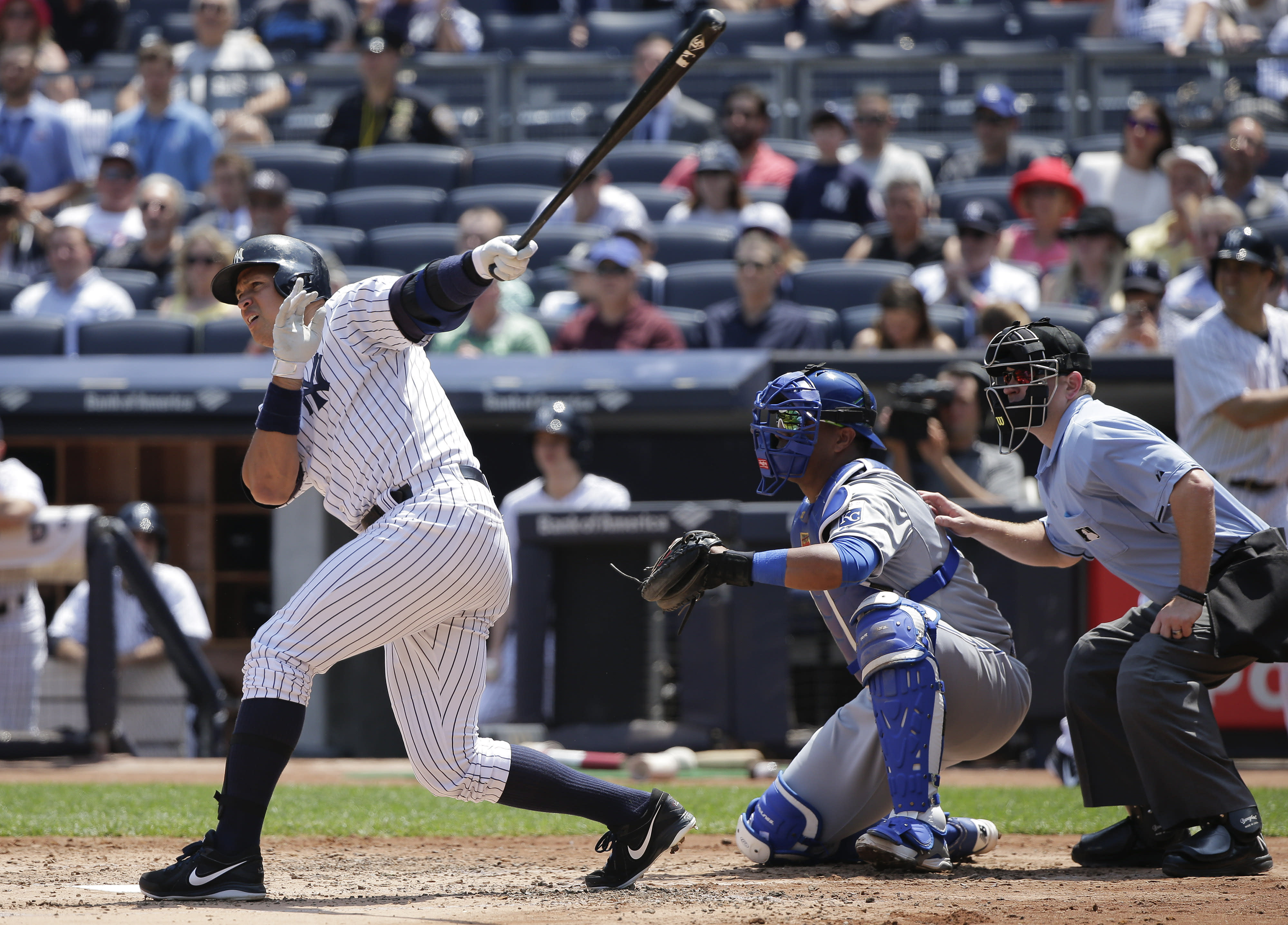 A-Rod breaks Gehrig's AL RBI record; Yanks sweep Royals, 4-2