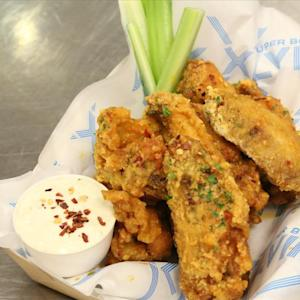 Crafting the Perfect Super Bowl Chicken Wing