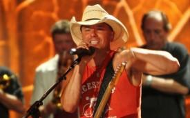 Kenny Chesney Kicks Off His Shoes With New App [EMBARGO FOR THURSDAY, 7:00 a.m.]]