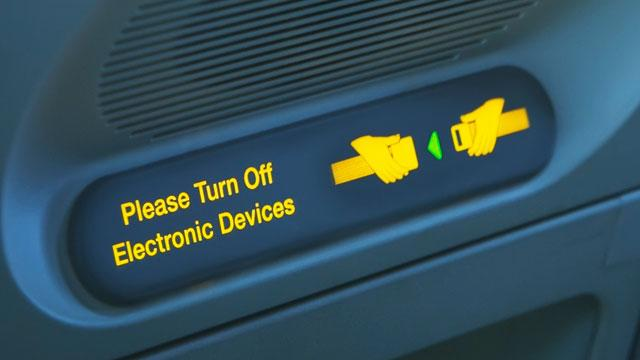 FAA Might Allow for Some Gadget Use Before and During Takeoff