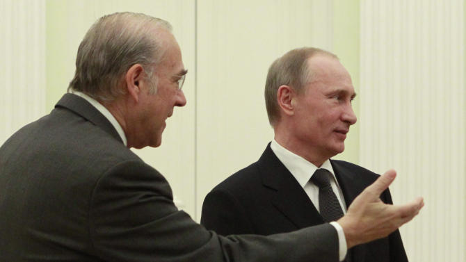 Putin urges G20 ministers to consider social cost