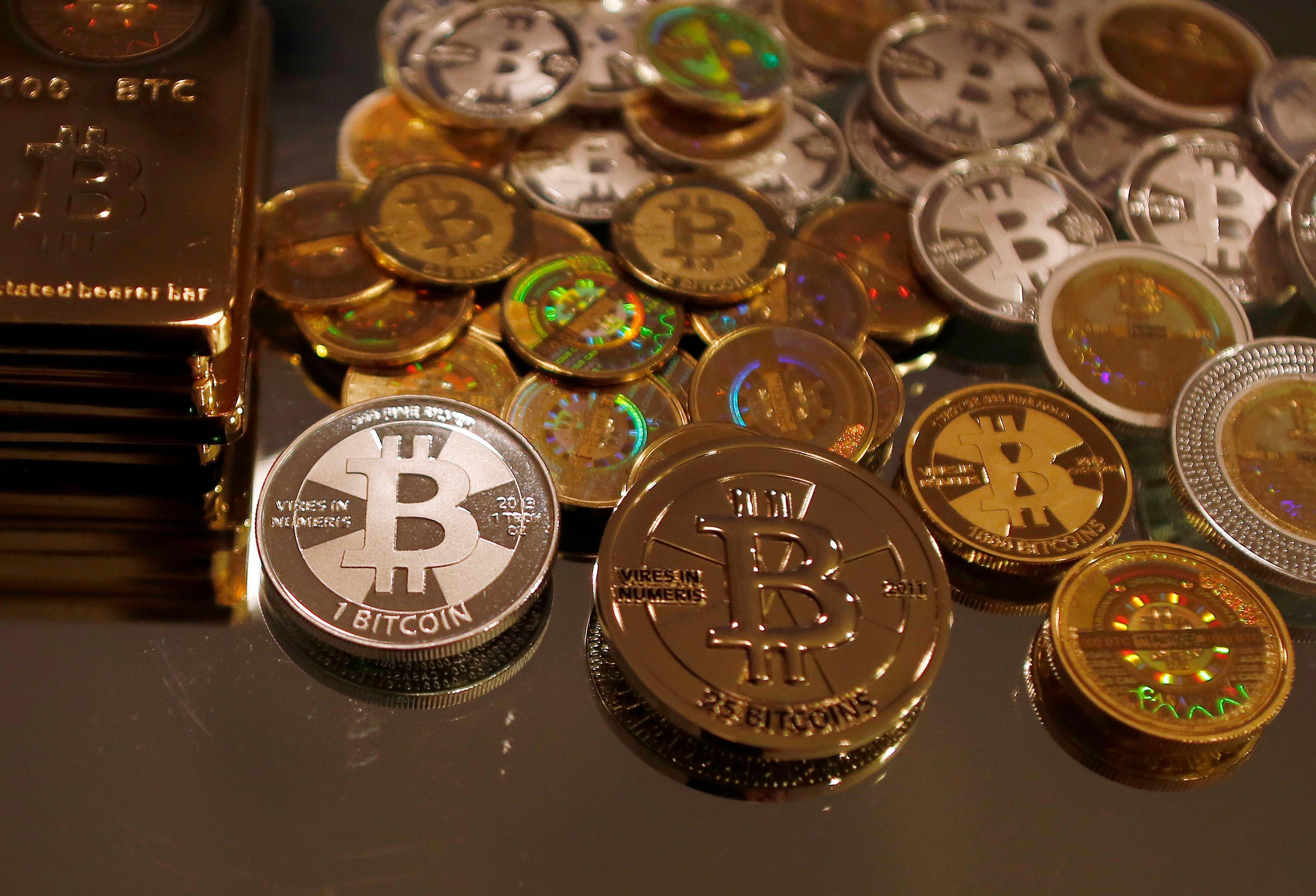 Federal Agents Busted for Stealing Bitcoins, Extorting Silk Road Founder