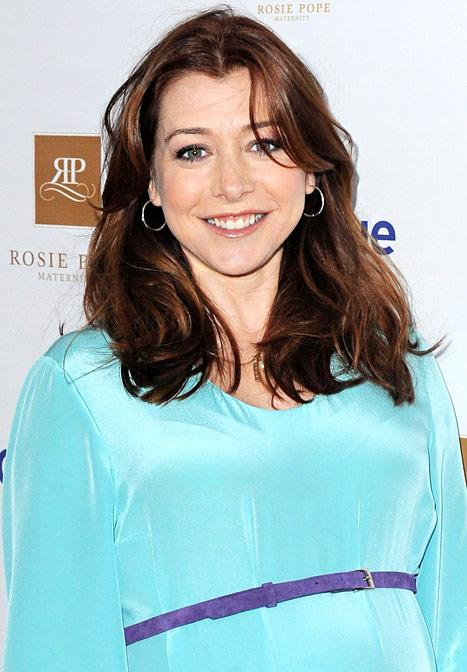 "Alyson Hannigan: I'm Not in ""Bikini Shape"" 4 Weeks After Baby"