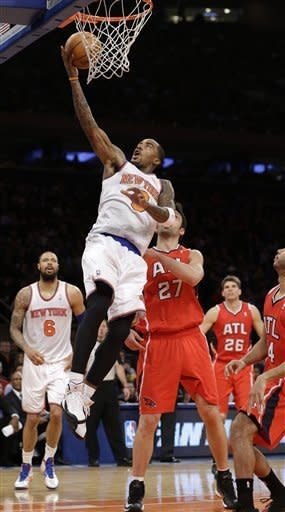 Anthony's 9 3s, 42 points lead Knicks over Hawks