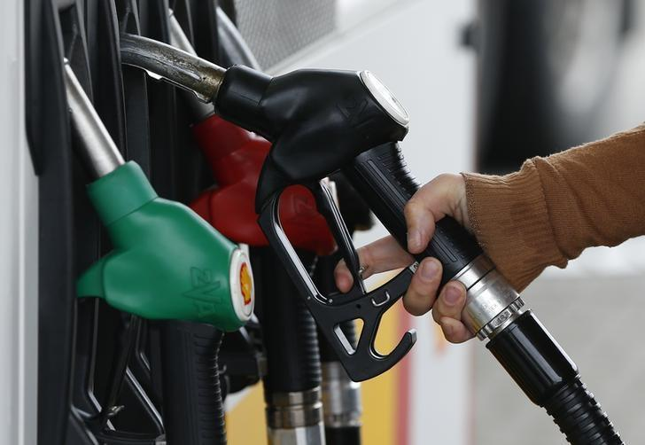 Oil prices drop 3 percent as investors retreat from overnight gains