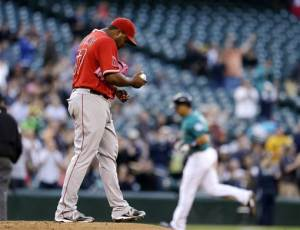 Ibanez homers twice in Mariners' win over Angels