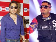 No bad blood between Mika Singh and Honey Singh!