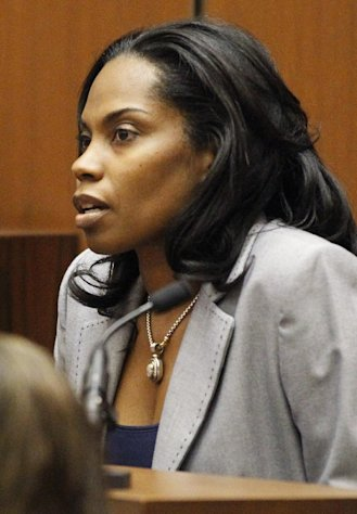 Prosecution witness Antoinette Gill testifies during Dr. Conrad Murray&#39;strial in the death of pop star Michael Jackson, Monday, Oct. 3, 2011, in Los Angeles. Murray has pleaded not guilty and faces four years in prison and the loss of his medical license if convicted of involuntary manslaughter in Michael Jackson&#39;s death. (AP Photo/Mario Anzuoni, Pool)