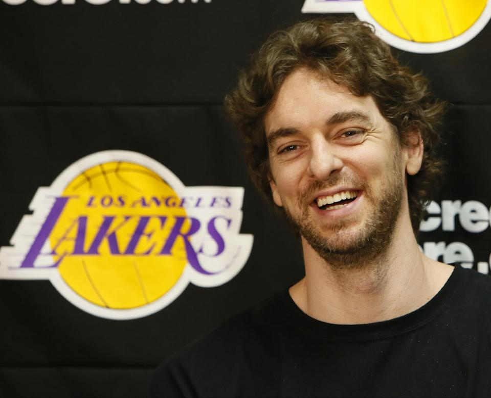 Pau Gasol is Lakers' man in the middle once again