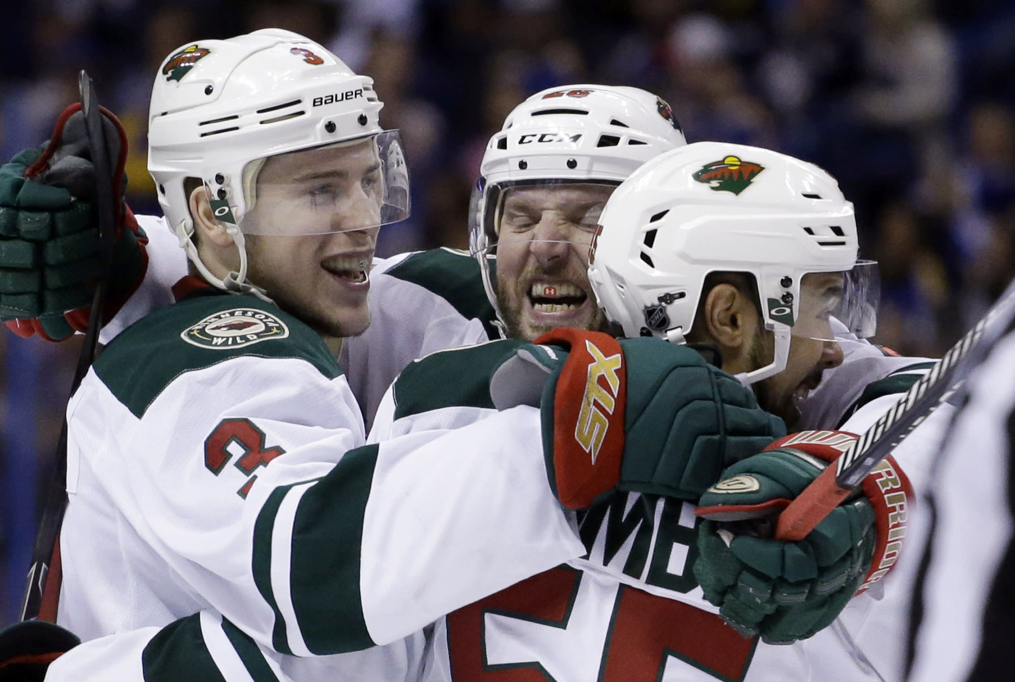 Home-ice advantage overrated in Wild-Blues series