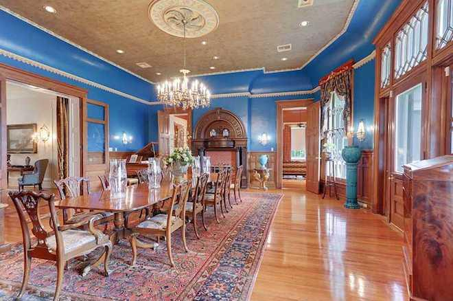 House of the Day: Well-Restored Plantation Home Flaunts a Beaux-Arts Fireplace