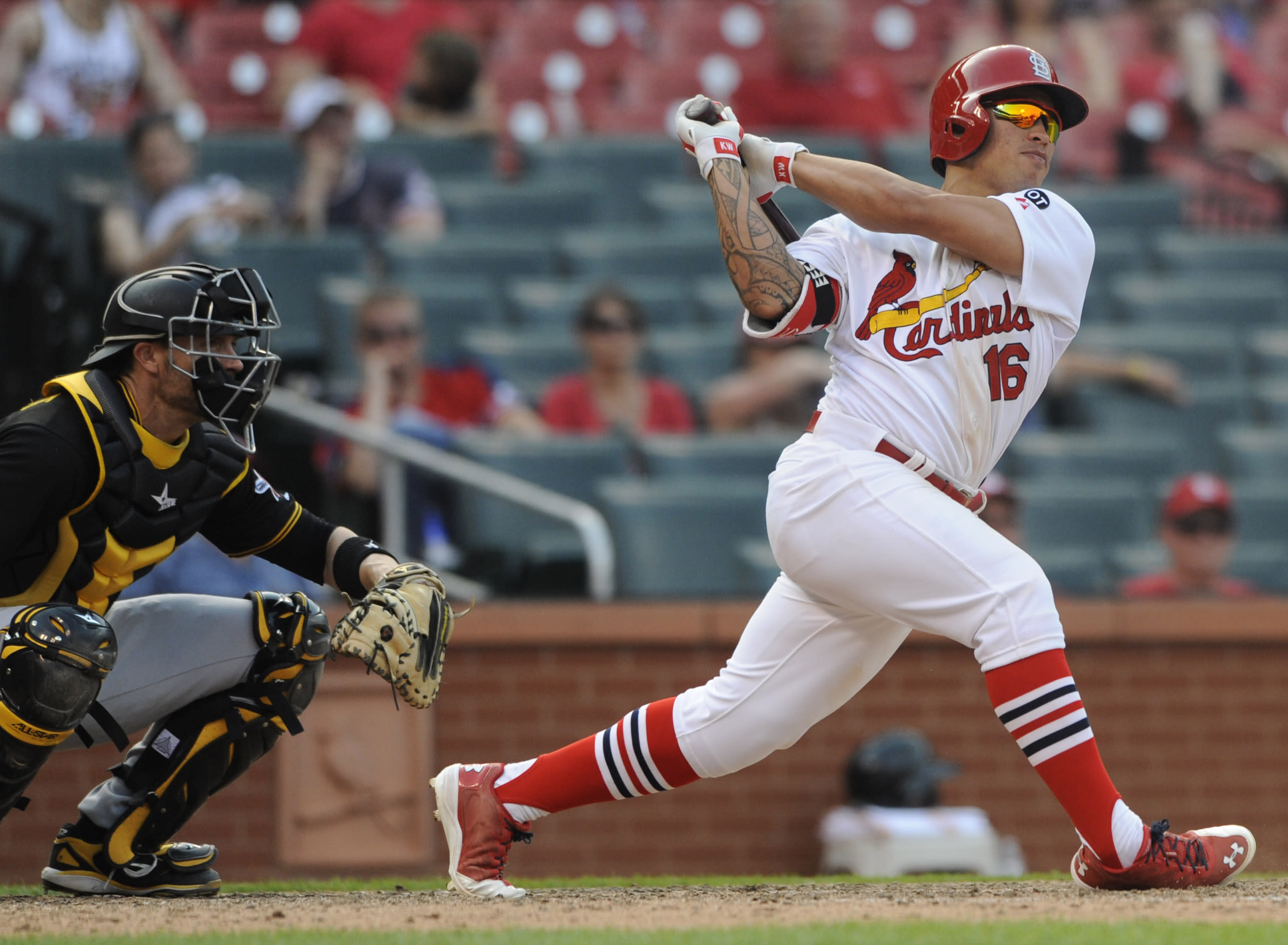 Cardinals win in extras again, beat Pirates 3-2 in 14