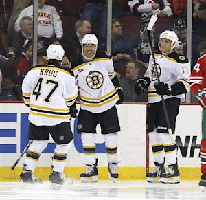 Bruins roll to 10th straight win, beat Devils 4-2