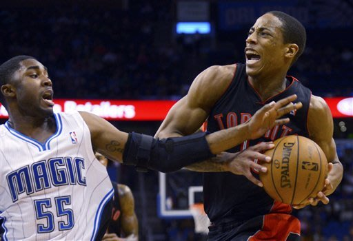 DeRozan lifts Raptors over Magic at buzzer, 97-95