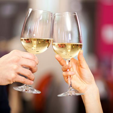 Couple-toasting-wine-glasses_web