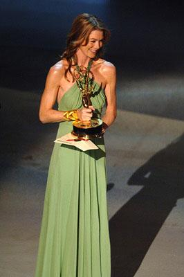 Ellen Pompeo, presenter Emmy Awards - 9/18/2005