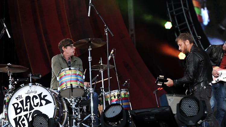 Guitarist Dan Auerbach, right, and drummer Patrick Carney of The Black Keys perform at the Global Citizen Festival in Central Park on Saturday Sept. 29, 2012 in New York. (Photo by Evan Agostini/Invision/AP)
