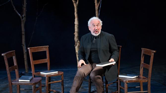 """In this undated theater image released by Brooklyn Academy of Music, Simon Callow performs in """"Being Shakespeare"""" a new play by Jonathan Bate presented by the Brooklyn Academy of Music at the BAM Harvey in New York. (AP Photo/Brooklyn Academy of Music, Stephanie Berger)"""