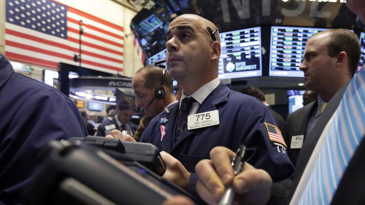 US stocks mixed as investors wait on debt news