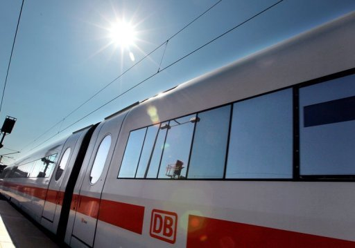 Die Deutsche Bahn hat auch in diesem Sommer Probleme mit den Klimaanlage in ihren Zgen. Weil diese whrend der derzeitigen Hitzewelle oft nicht funktionieren, mussten allein am Sonntag mehr als zwei dutzend Zge gestoppt werden. (Archivbild)