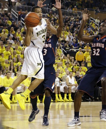 Trey Burke-led No. 7 Michigan beats Illinois 71-58