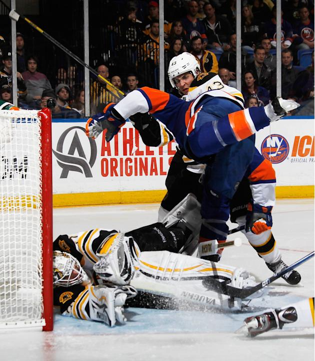Boston Bruins v New York Islanders