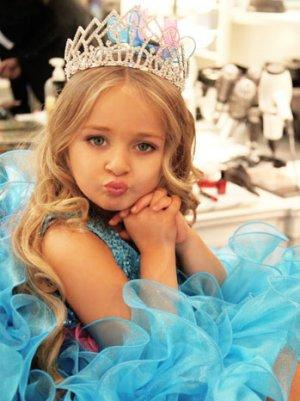 'Toddlers & Tiaras' Mom Sues Media For $30 Million For 'Sexualizing' Her Daughter