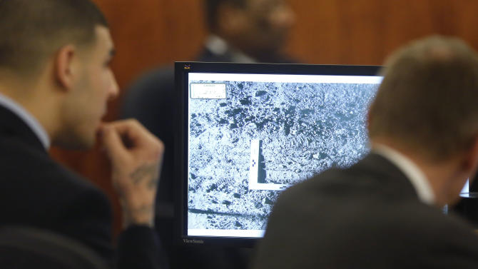 Data: Victim's cell pinged along Hernandez's alleged route