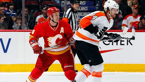 Calgary Flames versus the Philadelphia Flyers in NHL action