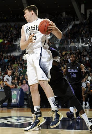 Cooley leads No. 22 Notre Dame past Niagara 89-67