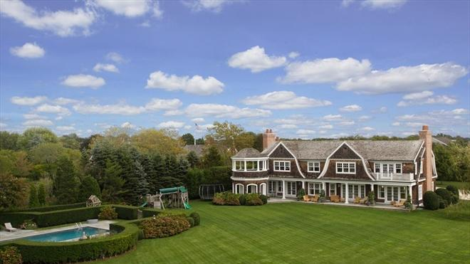 Jennifer Lopez buys beautiful Hamptons estate listed at $10 million