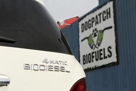 U.S. EPA expected to nudge higher biofuels mandates: sources