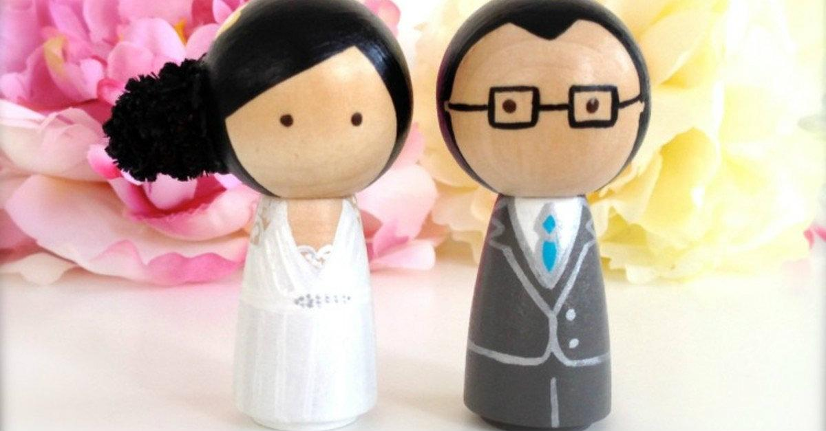 20+ Adorable Wedding Cake Toppers