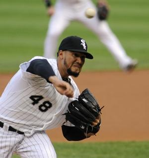 Sierra single lifts White Sox over Indians, 3-2